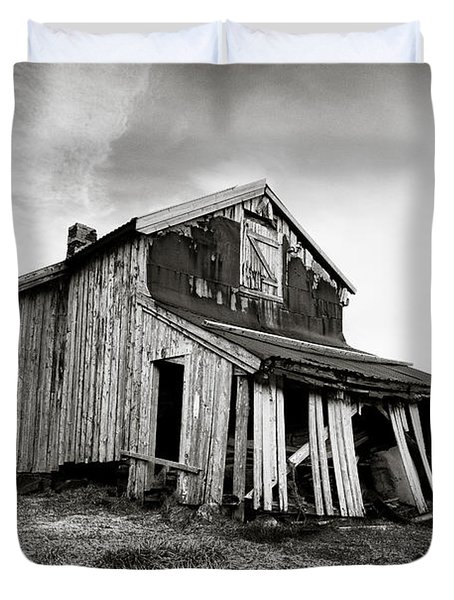 Old Barn Duvet Cover by Dave Bowman