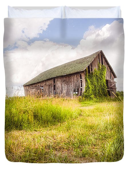 Duvet Cover featuring the photograph Old Barn In Ontario County - New York State by Gary Heller