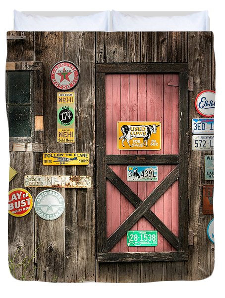 Old Barn Signs - Door And Window - Shadow Play Duvet Cover by Gary Heller