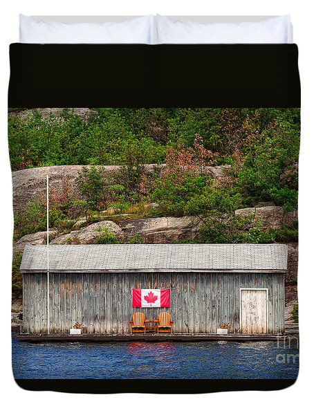 Old Boathouse With Two Muskoka Chairs Duvet Cover by Les Palenik