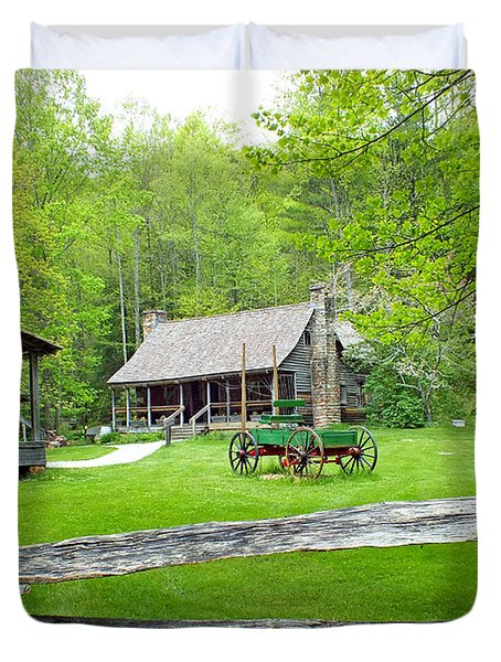 Old Cabins At The Cradle Of Forestry Duvet Cover