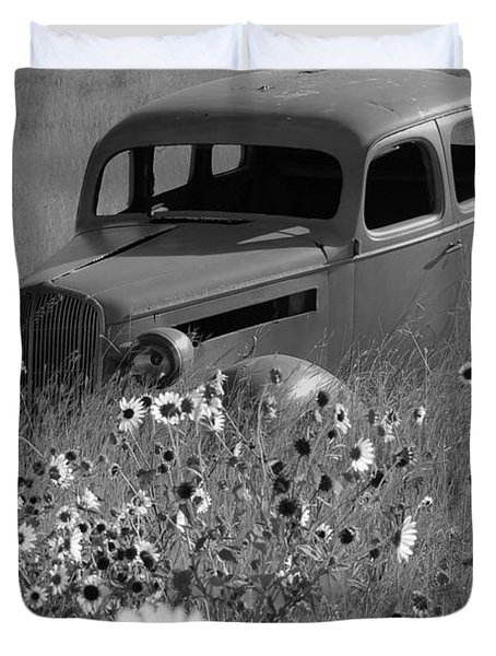 Duvet Cover featuring the photograph Old Car by Leticia Latocki
