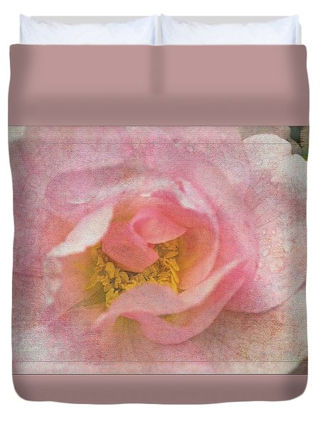 Duvet Cover featuring the photograph Old English Rose by Liz  Alderdice