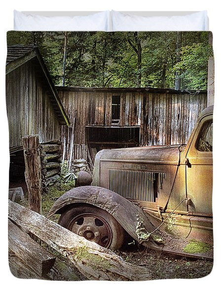 Old Farm Pickup Truck Duvet Cover
