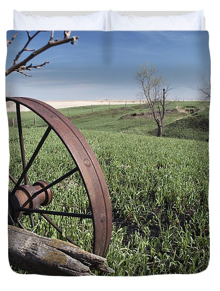 Old Farm Wagon Duvet Cover
