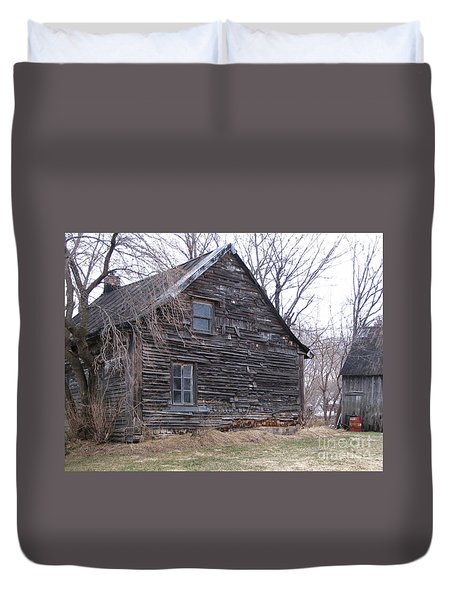 Old Farm Yamachiche Duvet Cover by Line Gagne