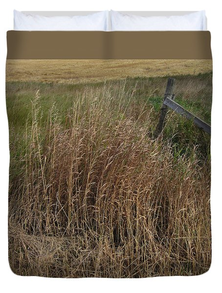 Old Fence Line Duvet Cover by Donald S Hall