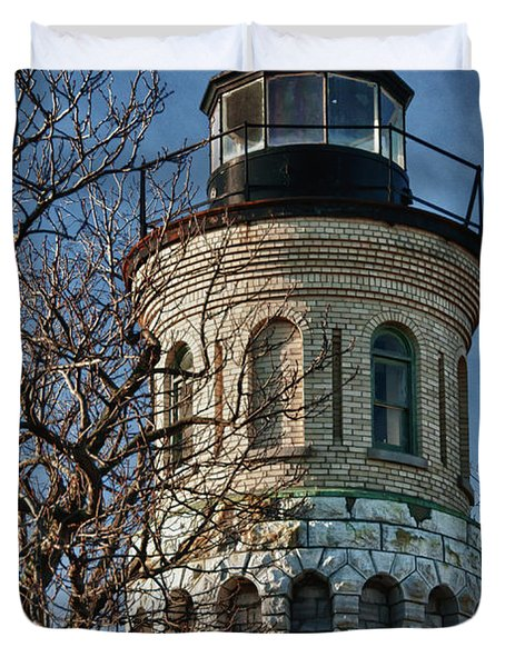 Duvet Cover featuring the photograph Old Fort Niagara Lighthouse 4484 by Guy Whiteley