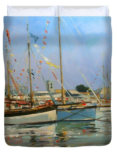 Old Gaffers  Yarmouth  Isle Of Wight Duvet Cover by Jennifer Wright
