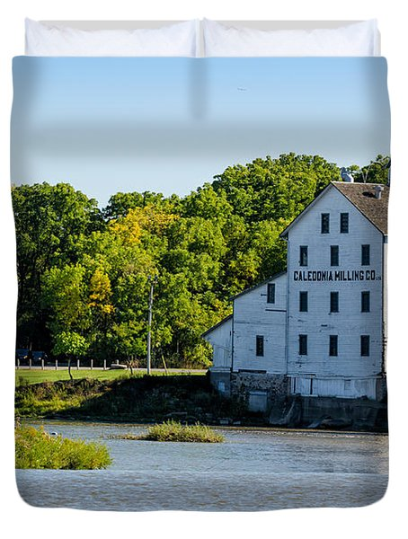 Old Mill On Grand River In Caledonia In Ontario Duvet Cover