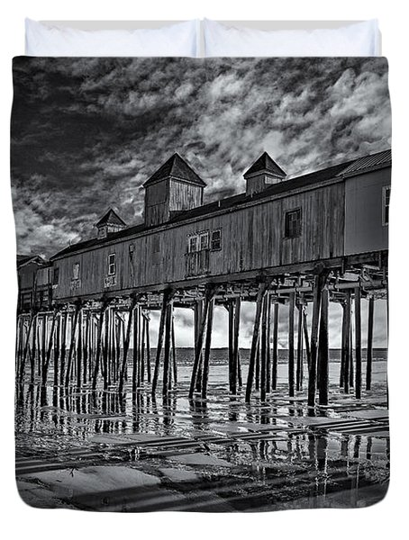 Old Orchard Beach Pier Bw Duvet Cover