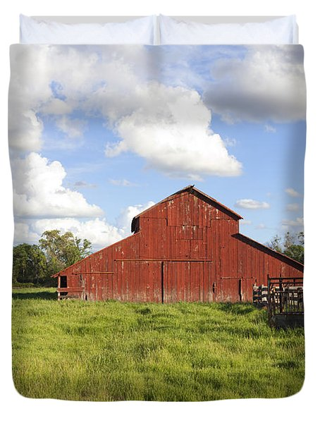Duvet Cover featuring the photograph Old Red Barn by Mark Greenberg