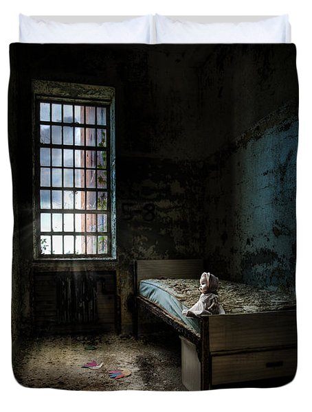 Old Room - Abandoned Places - Room With A Bed Duvet Cover by Gary Heller