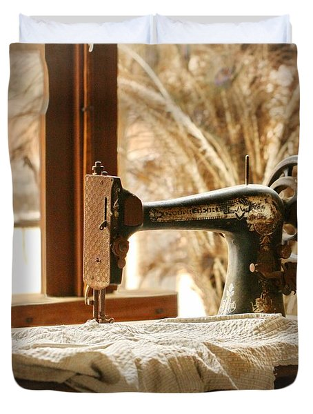Old Sewing Machine Duvet Cover