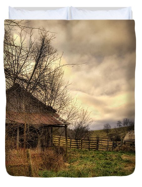 Old Shed And Barn At Osage Duvet Cover by Michael Dougherty