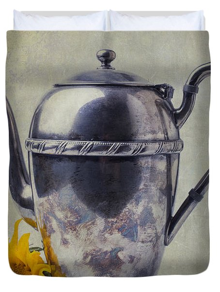 Old Teapot With Sunflower Duvet Cover