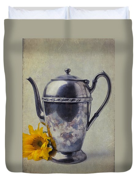 Old Teapot With Sunflower Duvet Cover by Garry Gay