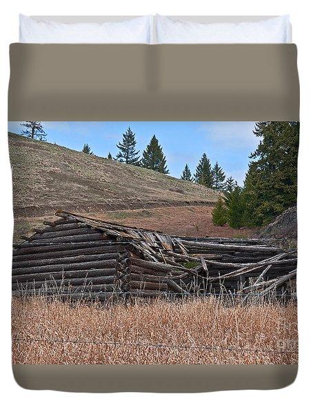 Old Turn Of The Century Log Cabin Homestead Art Prints Duvet Cover
