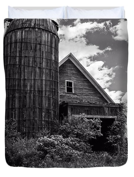 Old Vermont Barn And Silo Duvet Cover