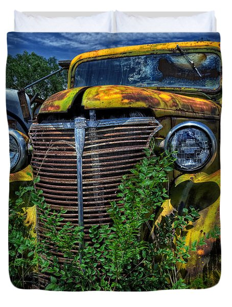Duvet Cover featuring the photograph Old Yeller by Ken Smith