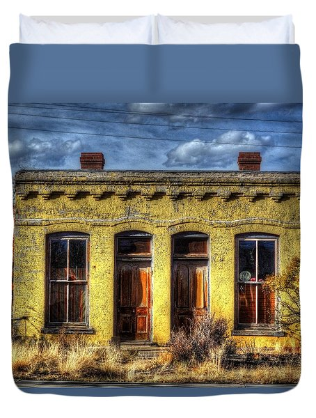 Old Yellow House In Buena Vista Duvet Cover