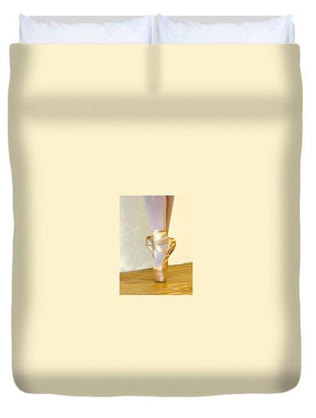 Ballet Toes On Point Duvet Cover