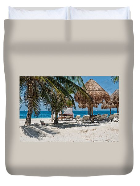 White Sandy Beach In Isla Mujeres Duvet Cover