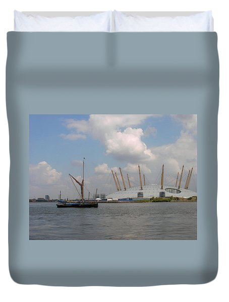 On The Thames Duvet Cover