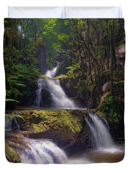 Duvet Cover featuring the photograph Onomea Falls by Jim Thompson