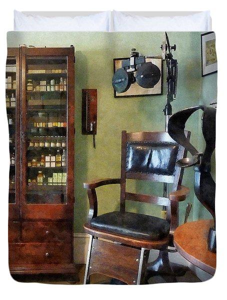Optometrist - Eye Doctor's Office Duvet Cover