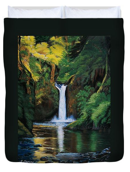 Oregon's Punchbowl Waterfalls Duvet Cover