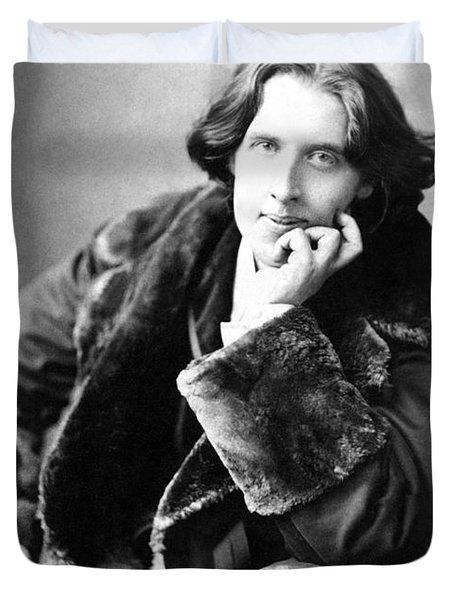 Oscar Wilde In His Favourite Coat 1882 Duvet Cover