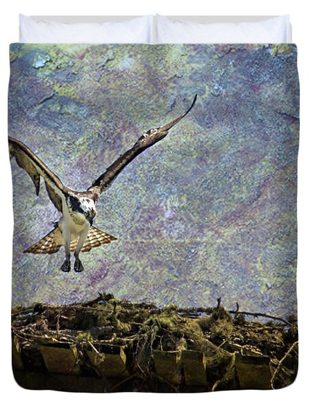 Osprey-coming Home Duvet Cover