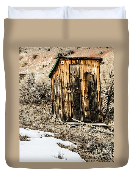 Outhouse With Electricity Duvet Cover by Sue Smith