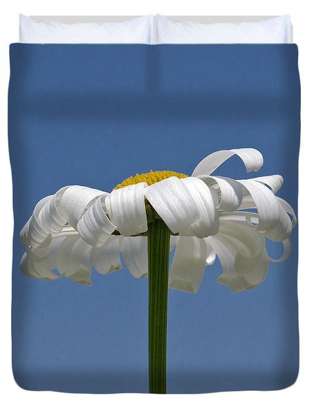 Oxeye Daisy Duvet Cover by Dee Cresswell