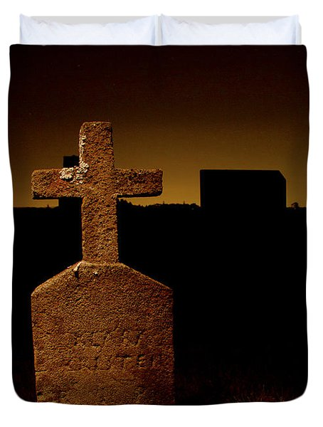Painted Cross In Graveyard Duvet Cover by Jean Noren