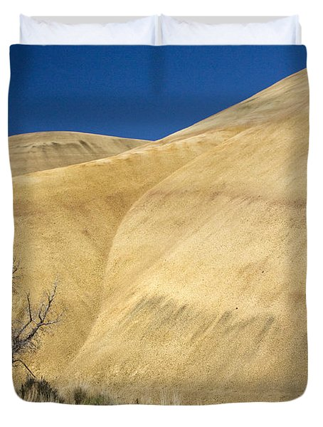 Duvet Cover featuring the photograph Painted Hills Tree by Sonya Lang