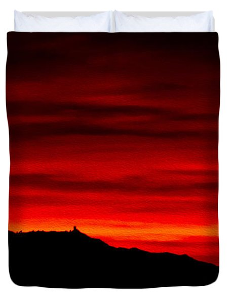Duvet Cover featuring the photograph Painted Sky 36 by Mark Myhaver