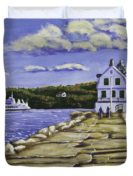 Rockland Breakwater Lighthouse In Maine Duvet Cover