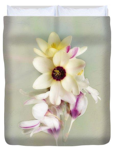 Duvet Cover featuring the photograph Pamela by Elaine Teague