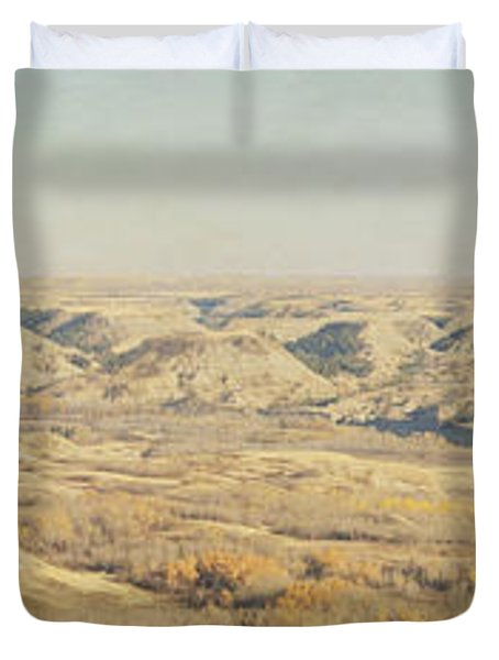 Panoramic Of The Badlands Of The Red Duvet Cover by Roberta Murray