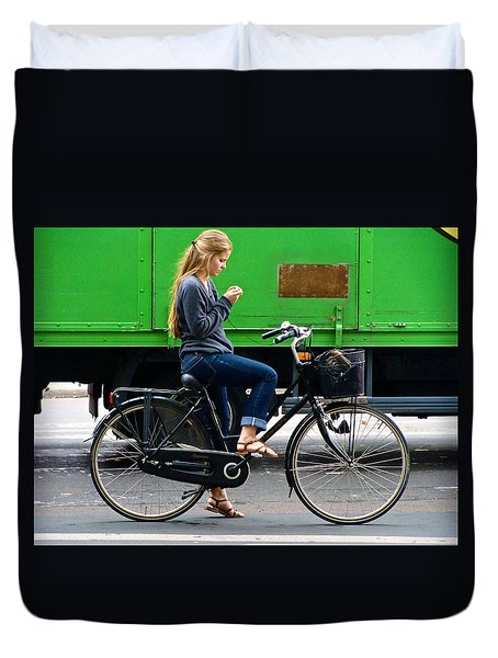 Duvet Cover featuring the photograph Paris Interlude by Ira Shander