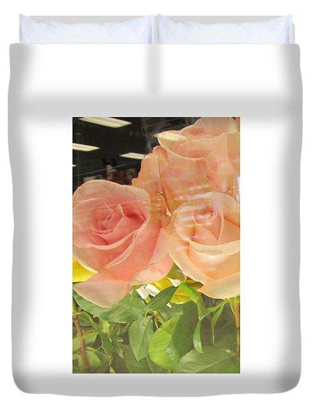 Peach Roses In Greeting Card Duvet Cover