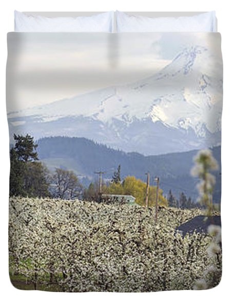 Pear Tree Orchard In Hood River Oregon Duvet Cover