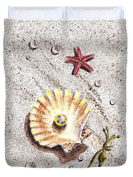 Pearl In The Seashell Sea Star And The Water Drops Duvet Cover by Irina Sztukowski