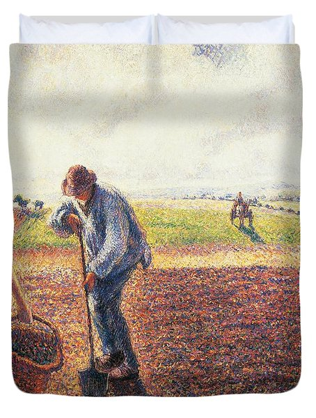 Peasants In The Field Eragny Duvet Cover by Camille Pissarro