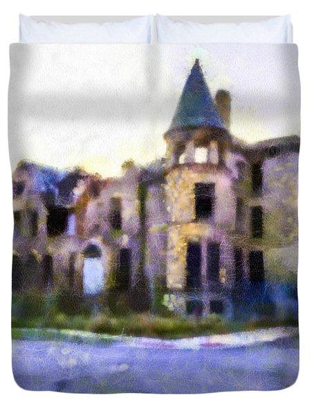 Peterboro Castle Ruins Duvet Cover by Priya Ghose