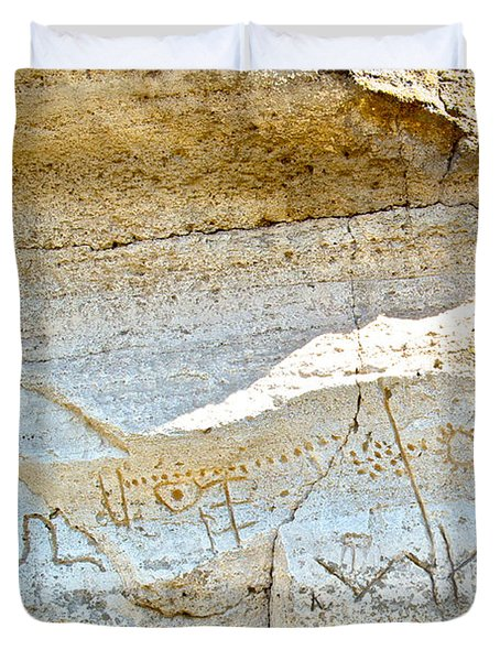 Petroglyphs At Petroglyph Point In Lava Beds Nmon-ca Duvet Cover