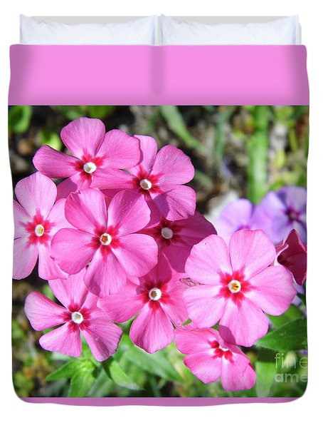 Duvet Cover featuring the photograph Phlox Beside The Road by D Hackett