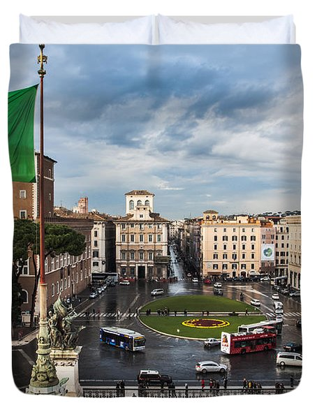 Duvet Cover featuring the photograph Piazza Venezia by John Wadleigh